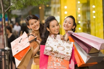 chinese consumers-are-spending-more-and-more-on-non-essential-purchases